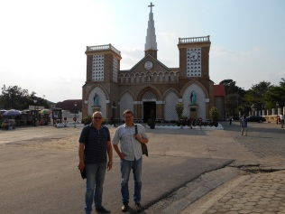 Devant la cathédrale de Brazzaville