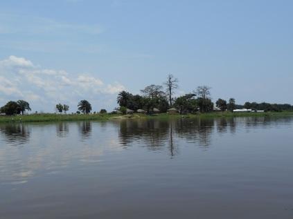 Village au bord du fleuve Congo