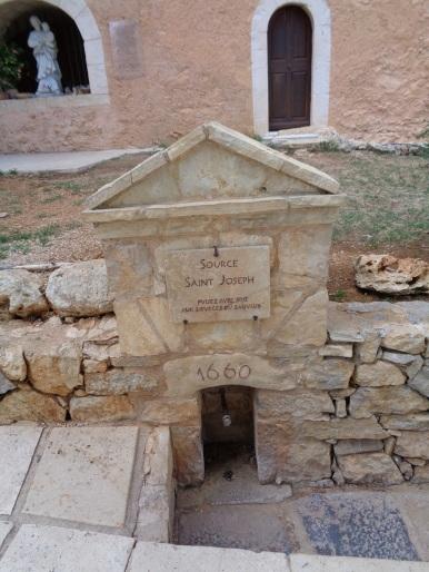 COTIGNAC la source de St. Joseph